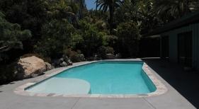 Geometric-Pool-with-Aqua-Cool-Finish